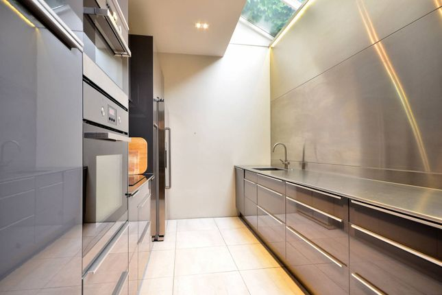 Thumbnail Property to rent in Haydens Place, Notting Hill