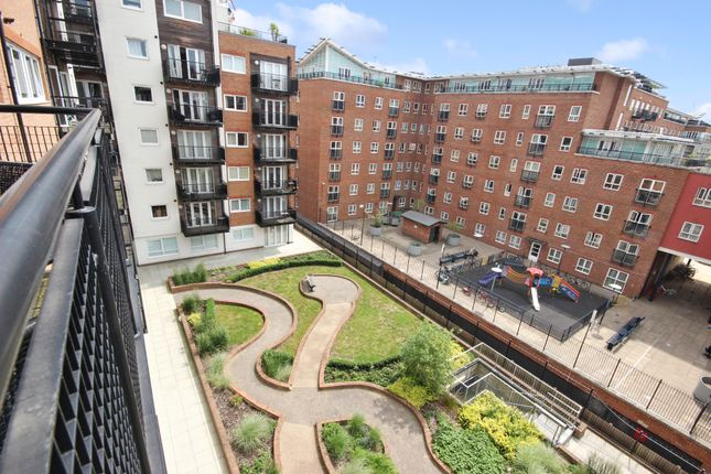2 bed flat for sale in skerne road kingston upon thames kt2 44172963 zoopla