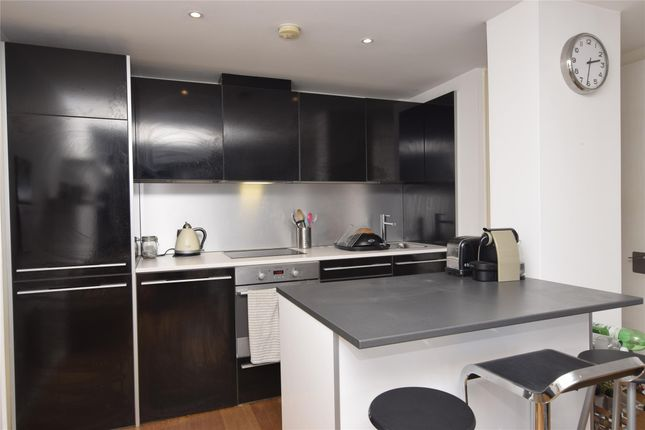 Thumbnail Flat to rent in Airpoint, Skypark Road, Bristol