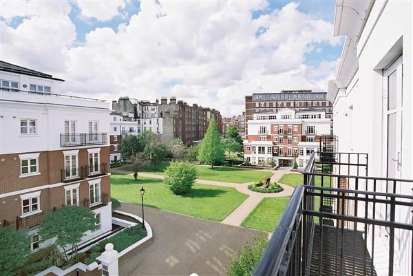Thumbnail Flat for sale in Sycamore Lodge, Kensington