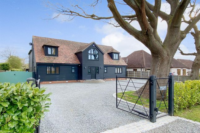 5 bed detached house for sale in Chelmsford Road, Blackmore, Ingatestone CM4