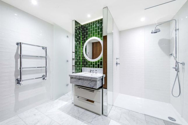 Bathroom Lo of Capital Building, Embassy Gardens, 8 New Union Square, Nine Elms, London SW11