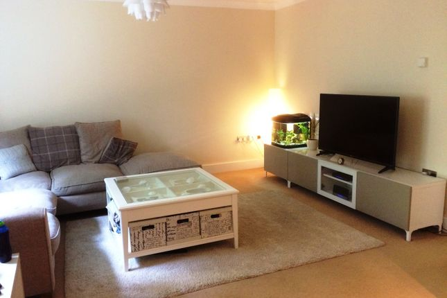 2 bed flat to rent in Swan Close, Blakedown, Kidderminster DY10