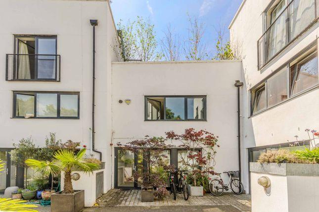 Thumbnail Property for sale in Upper Street, Islington