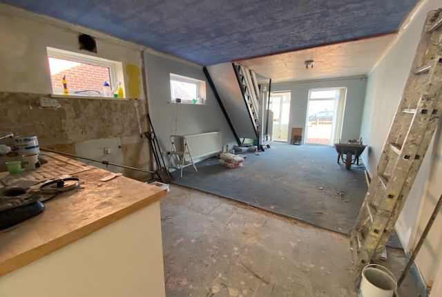 Thumbnail Semi-detached house to rent in Buxton Close, Newport