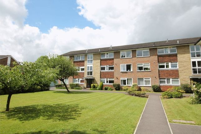 Thumbnail 2 bedroom flat for sale in Station Approach, Tadworth
