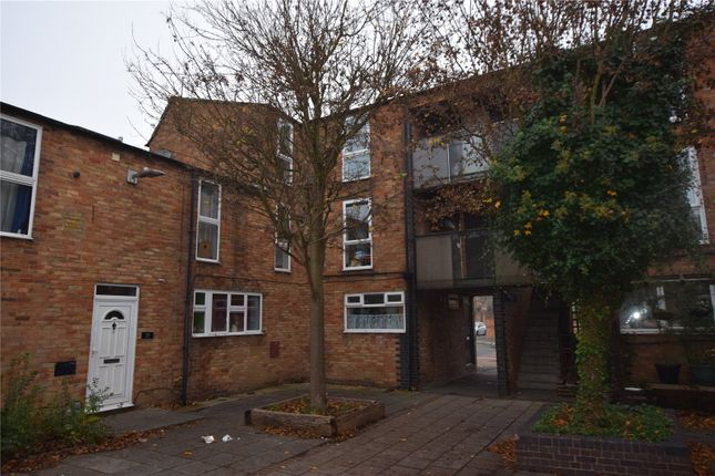 1 bed flat to rent in Beeston Courts, Basildon, Essex SS15