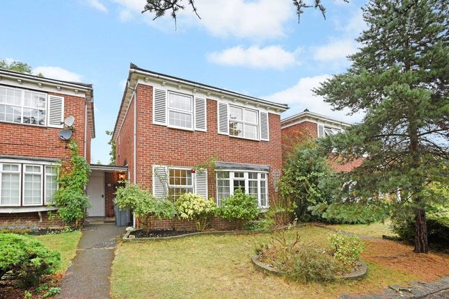 Thumbnail Link-detached house to rent in Cotswold Close, Kingston Upon Thames