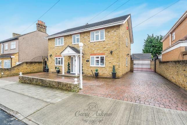 Thumbnail Detached house for sale in The Mawneys, Romford, Essex