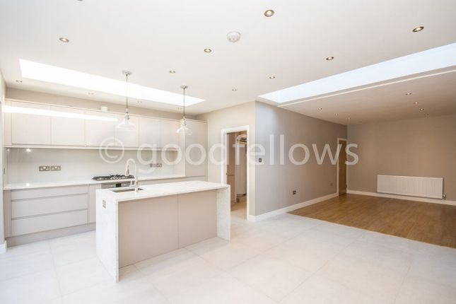 Thumbnail Detached house to rent in Northway, Morden