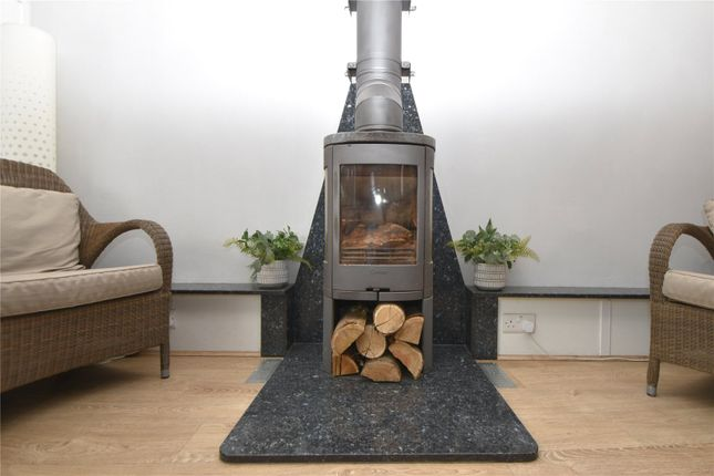 Fireplace of Hedge Place Road, Greenhithe, Kent DA9