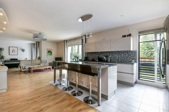 4 bed apartment for sale in Boulogne-Billancourt, Paris, France