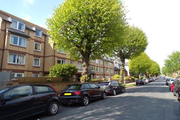 Thumbnail Flat to rent in Homelatch House, Eastbourne