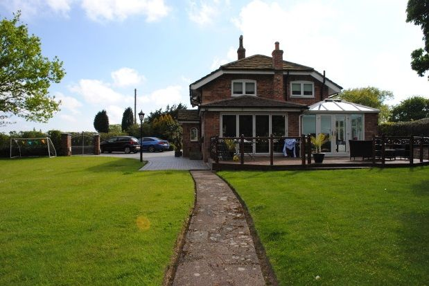 Thumbnail Property to rent in Mill Hill Lodge, Woodford Road, Poynton