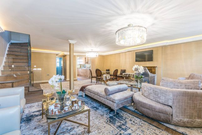 4 bed flat for sale in Stanhope Place, Hyde Park Estate