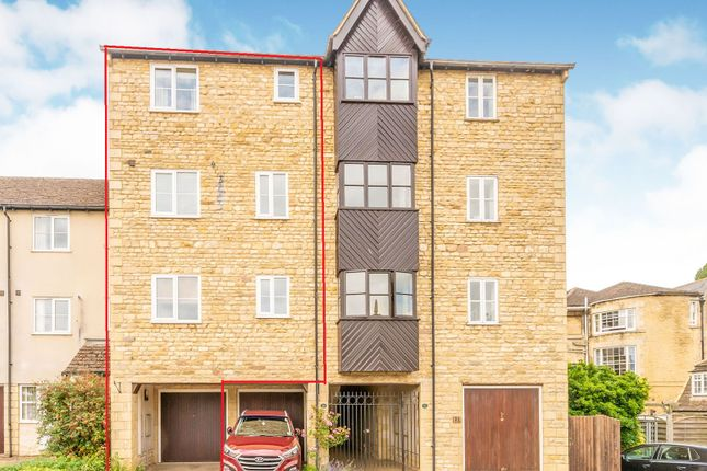Thumbnail Town house for sale in Lambert Mews, Stamford