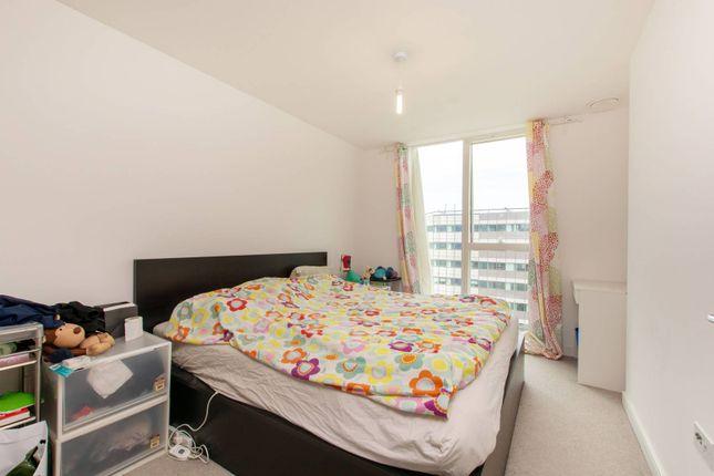 Thumbnail Flat to rent in Saffron Central Square, East Croydon