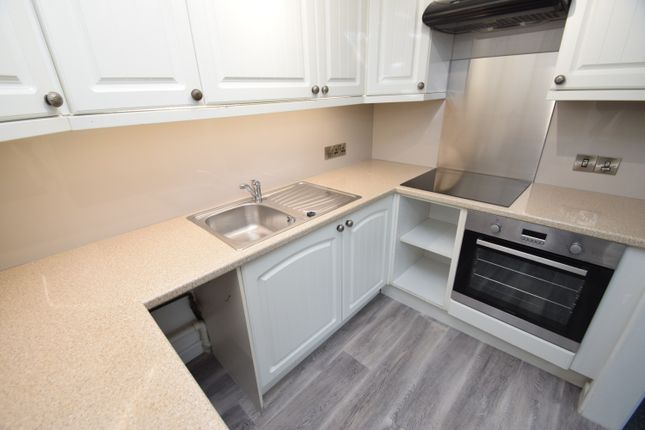 Thumbnail Flat to rent in Kenwyn Street, Truro