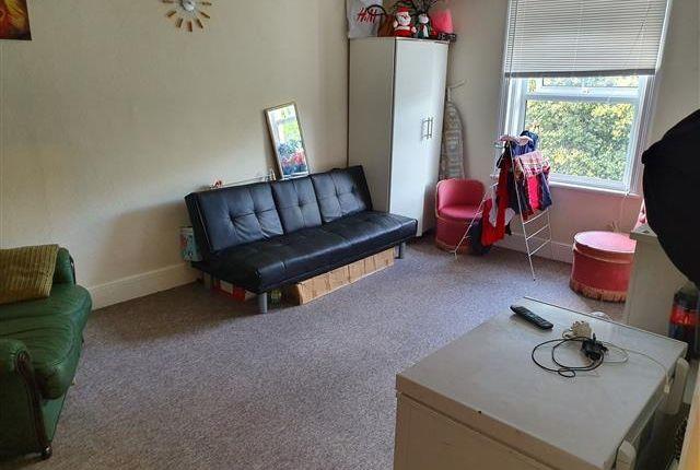 Prime 1 Bed Flat To Rent In Upperton Gardens Eastbourne Bn21 Zoopla Inzonedesignstudio Interior Chair Design Inzonedesignstudiocom