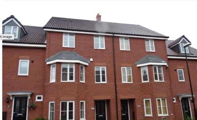 Thumbnail Town house to rent in Shropshire Drive, Stoke, Coventry