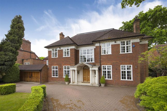 Detached house to rent in Compton Avenue, Kenwood
