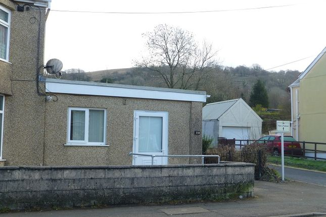 Thumbnail Flat to rent in 54 Heol Y Gors, Cwmgors, Ammanford, Carmarthenshire.