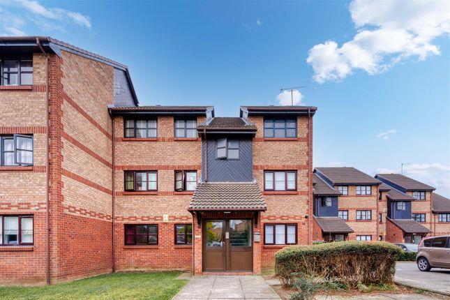 2 bed flat for sale in Humber Road, Dartford DA1