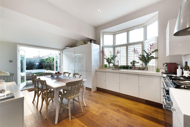 Thumbnail Flat for sale in Wallingford Avenue, London