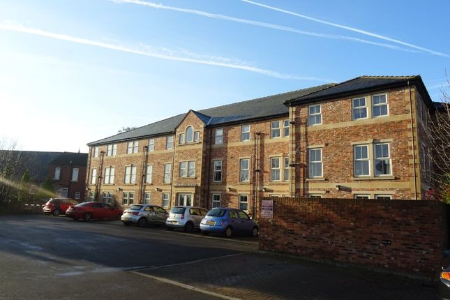 Thumbnail Flat to rent in Brook Crescent, Wakefield