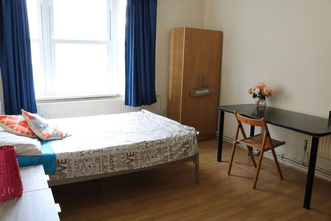 Thumbnail Shared accommodation to rent in Turin Street, London