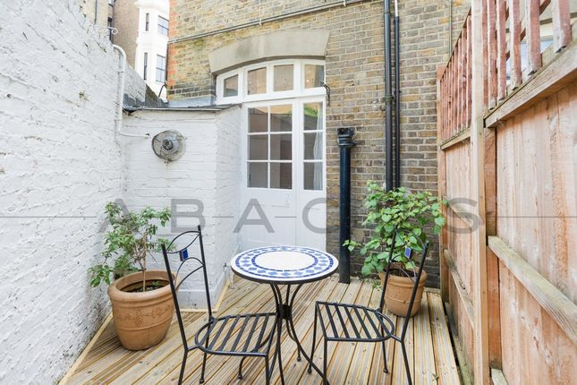 Thumbnail Flat for sale in Inglewood Road, West Hampstead