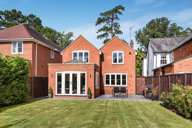 Thumbnail Detached house for sale in Finchampstead Road, Wokingham