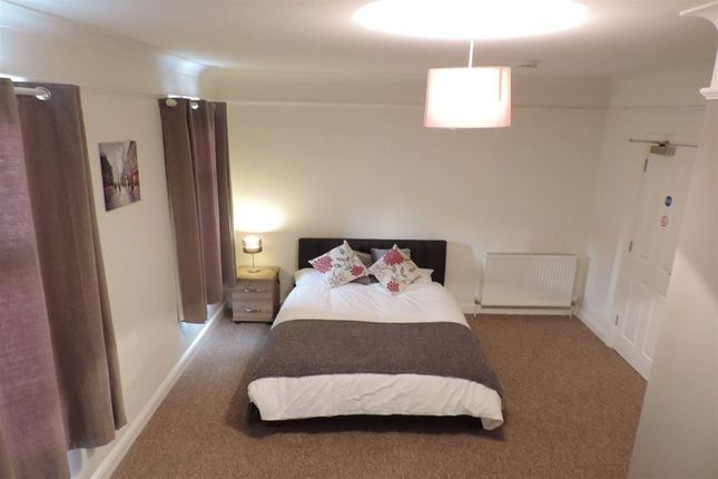 Thumbnail Room to rent in Rm 4, Aldermans Drive, Peterborough