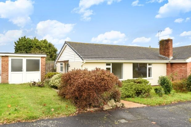 Thumbnail Bungalow to rent in Clinton Road, Lymington