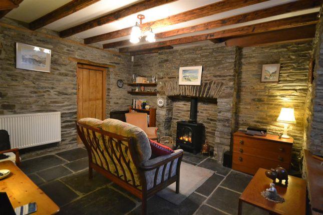 Lounge of Cenarth, Newcastle Emlyn SA38