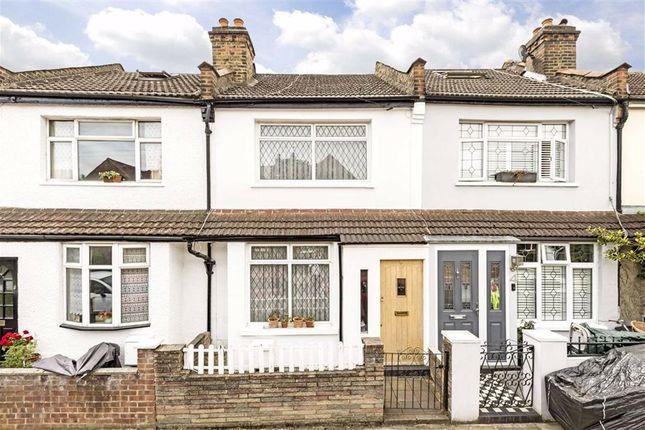 3 bed property for sale in Shacklegate Lane, Teddington TW11