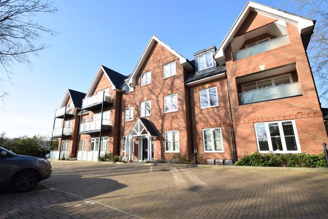 Flat to rent in Orchid House, Carew Road, Northwood