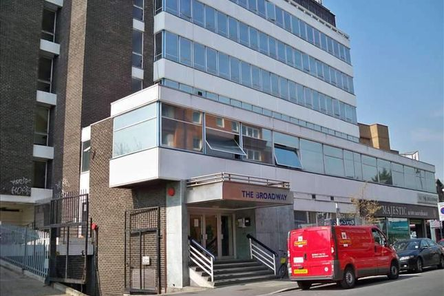 Serviced office to let in The Broadway, London