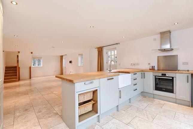 Thumbnail Flat to rent in Rookery Lane, Broughton, Stockbridge