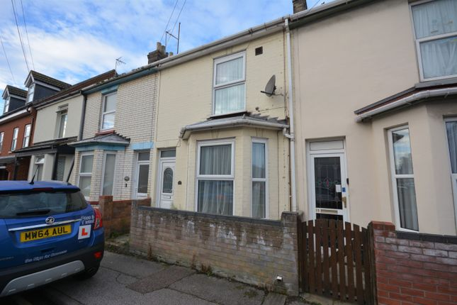 3 bed terraced house to rent in Summer Road, Lowestoft, Suffolk NR32