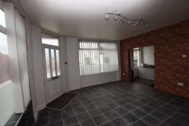 Thumbnail Commercial property to let in Dalestorth Street, Sutton In Ashfield