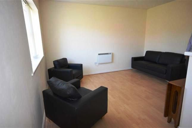 2 bed flat to rent in Signal Drive, Manchester