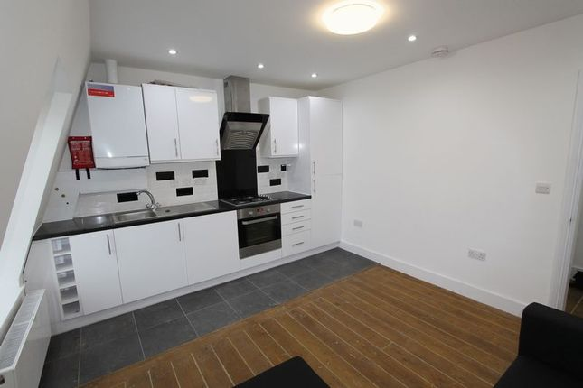 Thumbnail Flat to rent in Cephas Avenue, London