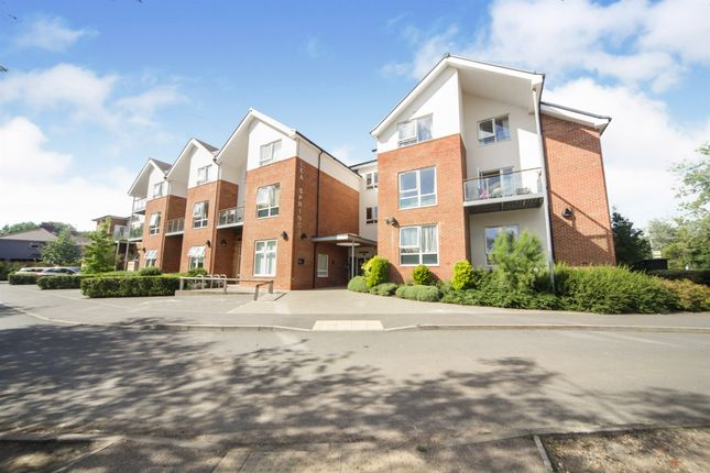 Thumbnail Flat for sale in Lower Luton Road, Harpenden