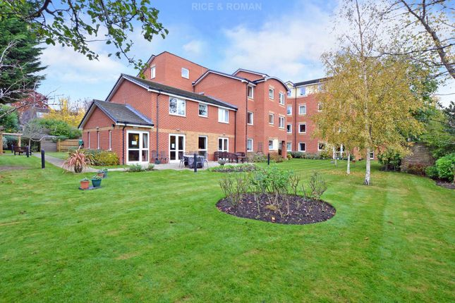 Thumbnail Flat for sale in Addlestone Park, Addlestone