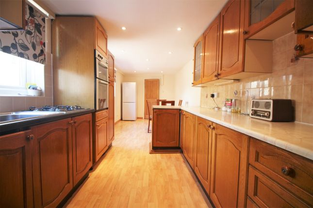 Thumbnail Room to rent in Cranbrook Road, London