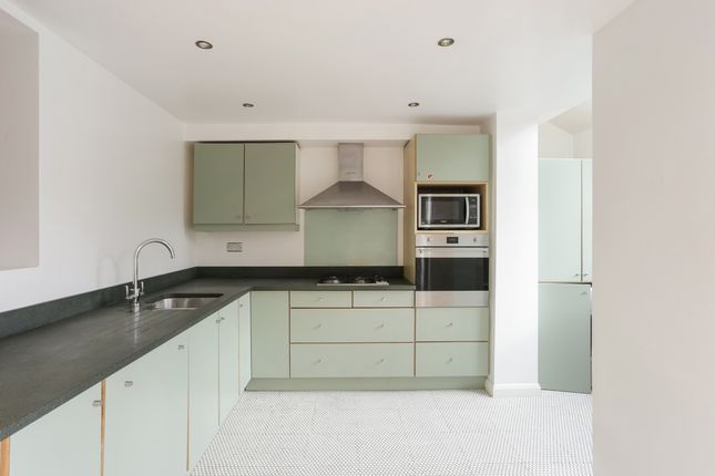 Thumbnail Terraced house to rent in Waldo Road, London