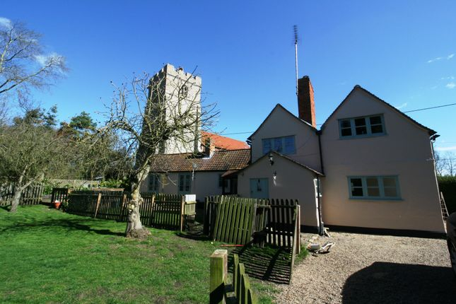Thumbnail Bungalow to rent in Church Road, Peldon, Colchester