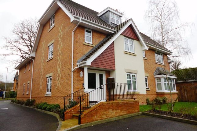 Thumbnail Flat to rent in John Norman Grove, Lightwater