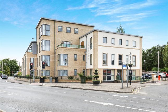 Thumbnail Flat for sale in Elm Tree Court, High Street, Huntingdon